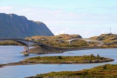 Die Fredvang-Brücken, Fredvangbruene, sind zwei Auslegerbrücken, Lofoten, Norwegen, Europa Lizenzfreies Stockfoto