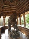 Die Freskos sind innerhalb der Tempel der Westgruppe einschließlich Visvanatha-Khajuraho, Madhya Pradesh, Indien, UNESCO erotisch lizenzfreie stockfotografie
