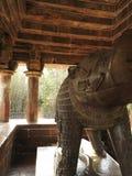 Die Freskos sind innerhalb der Tempel der Westgruppe einschlie?lich Visvanatha-Khajuraho, Madhya Pradesh, Indien, UNESCO erotisch stockfotografie