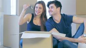 Die Freude am Bewegen in das Haus stock footage