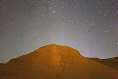 Die Galaxie in der Abendwüste von Xinjiang Lizenzfreie Stockfotografie