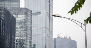 Die Gebäude und die Telekommunikation stockbilder