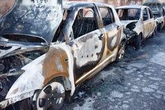 Die gebrannten Auto-Autos parkten Brandstiftung Stockfoto