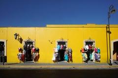 Die gelbe klare Straße Lizenzfreies Stockfoto