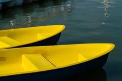 Die gelben Boote Stockfoto