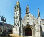 Die Gemeinde von Lampaul-Guimiliau, Bretagne, Frankreich Stockfotografie