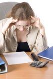 Die Geschäftsfrau arbeitet mit den Unterlagen II Lizenzfreies Stockbild