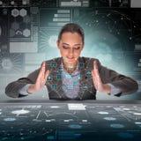 Die Geschäftsfrau in blockchain cryptocurrency Konzept Stockbild