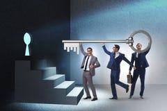 Die Geschäftsmänner im Team- und Teamwork-Konzept stock abbildung