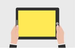 Die Geschäftsmannhände, die leeres Tablettenmodell halten, entwerfen intelligentes Telefon Stockfotos