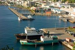 Die Gewohnheitsanlegestelle und der Grenadinenkai in Kingstown, St. Vincent Stockfotos