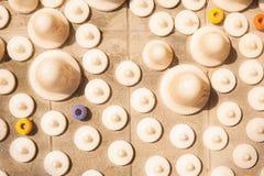 Die glänzende weiße keramische Punktbeschaffenheit ist Hintergrund Lizenzfreie Stockfotos