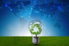 Die Glühlampe im grünen Umweltkonzept - Wiedergabe 3d Lizenzfreie Stockfotos