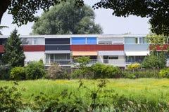 Die gleiche Häuser aber total unterschiedlich lizenzfreies stockbild