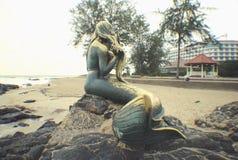 Die goldene Meerjungfrau Lizenzfreies Stockbild