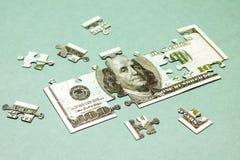 Die goldene Taste oder Erreichen für den Himmel zum Eigenheimbesitze Bild des Dollars mögen Puzzlespiel Stockfotos