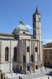 Die Gotisch-ähnliche Kirche von San Francesco Stockfotos