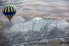 Die größte Touristenattraktion von Cappadocia, der Flug mit dem Ballon bei Sonnenaufgang Lizenzfreie Stockbilder