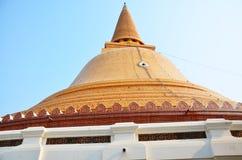 DIE GRÖSSTE PAGODE VON NAKHON PATHOM THAILAND Stockbild