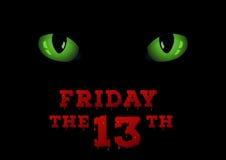 Die grünen Katzenaugen auf der Dunkelheit Freitag der dreizehnte Konzepthintergrund Stockfoto