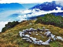 Die grasartig-felsige längliche Spitze Gulme oder Gulmen im Alpstein-Gebirgszug lizenzfreies stockfoto
