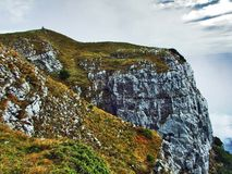Die grasartig-felsige längliche Spitze Gulme oder Gulmen im Alpstein-Gebirgszug stockfoto