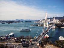 Die große Brücke unter einer Bucht von Yeosu-Stadt Lizenzfreie Stockfotografie