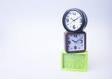 Die große Glocke stellt aufwachen sicher Wecker auf Hintergrund Wecker auf dem backg Lizenzfreie Stockfotografie