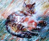 Die große Katze mit dem kleinen Ingwerkätzchen, das auf dem Teppich liegt Lizenzfreies Stockfoto
