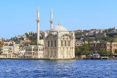 Die große Moschee von Moschee Medzhidiye Ortakey, Istanbul Stockfotografie