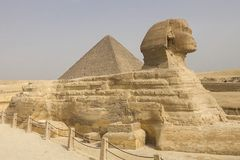 Die große Sphinx Ägyptische Sphinx Das 7. Wunder der Welt Alte Megalithe Lizenzfreie Stockfotos
