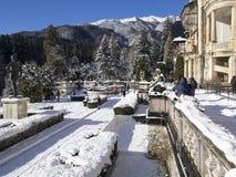 Die Gärten beim Peles ziehen sich, Rumänien zurück Stockfoto