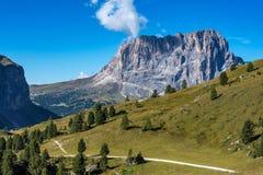Die Gruppe Sassolungo - Langkofel, Tal Gardena Dolomit, Italien stockbild