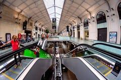 Die Halle von Gare-Heiligem Lazare in Paris stockfotos