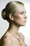 Die Halskette mit gelbem Stein Stockfotos
