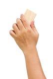 Die Hand der asiatischen Männer, die das Whiteboard löscht. stockbilder