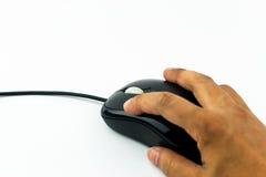 Die Hand, die Schwarzes hält, verdrahtete Mäuseisolat Stockfoto