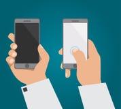 Die Hand mit dem Telefon in zwei Positionen Stockfoto