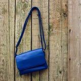 Die Handtasche der blauen Frauen Stockbilder