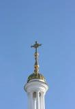 Die Haube der Kirche mit einem Kreuz Lizenzfreie Stockfotografie