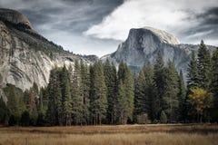 Die Haube an Yosemite-Park lizenzfreie stockbilder