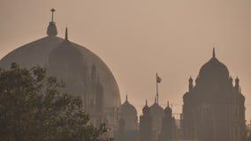Die Hauben der Gebäude in Mumbai Indien stock video