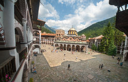 Die Hauptkathedrale des Rila-Klosters in Bulgarien Lizenzfreie Stockfotografie