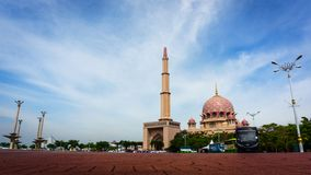Die Hauptmoschee von Putrajaya, Malaysia Stockfotos