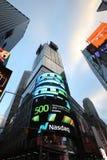 Die Hauptsitze der Börse NASDAQs, der zweitgrösste Handelsmarkt in der Welt im Times Square stockfoto