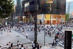 Die Hauptstraße in Ginza - Tokyo Stockfoto