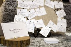 Die Heirat raten Tabelle lizenzfreie stockfotos