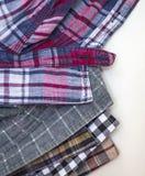Die Hemden der zufälligen Männer Stockfoto