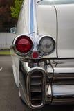 Die hinteren Bremslichter von Oldtimer Cadillac-Reihen 62 (fünfte Generation) Stockbild