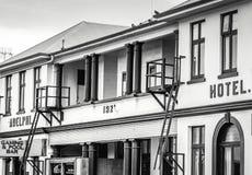 Die historische Kneipe und das Hotel Adelphi errichtet im Jahre 1921 in Kaikoura Stockfoto